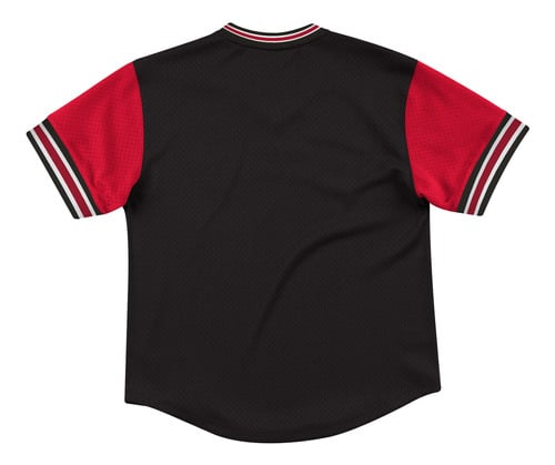 POLERA DE HOMBRE MITCHELL AND NESS CHICAGO BULLS NEGRO