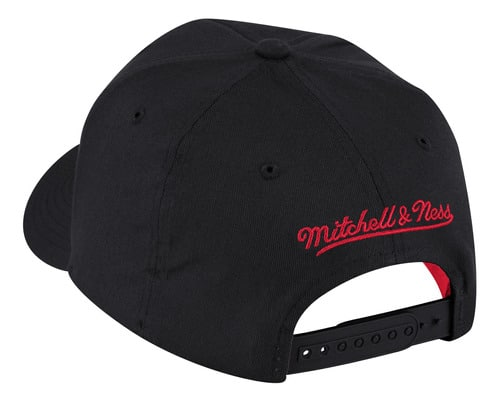 JOCKEY MITCHELL AND NESS SNAPBACK CHICAGO BULLS NEGRO