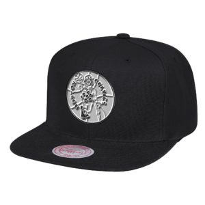 GORRO MITCHELL AND NESS NBA CELTICS BLACK & SILVER NEGRO