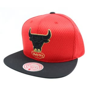 GORRO MITCHELL AND NESS NBA CHICAGO BULLS ROJO