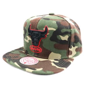 GORRO MITCHELL & NESS NBA BLACKWOOD CHICAGO BULLS CAMO