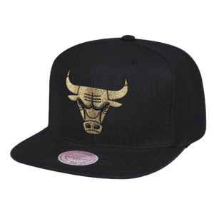 GORRO MITCHELL AND NESS BULLS TEAM GOLD SNAPBACK NEGRO