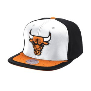 GORRO MITCHELL AND NESS BULLS NBA DAY ONE SNAPBACK