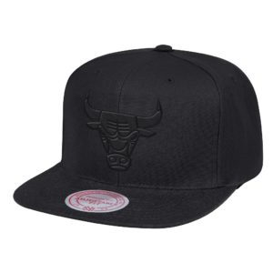 GORRO MITCHELL AND NESS CHICAGO BULLS ALL BLACK