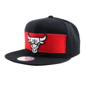 GORRO MITCHELL AND NESS CHICAGO BULLS SNAPBACK BLACK / RED